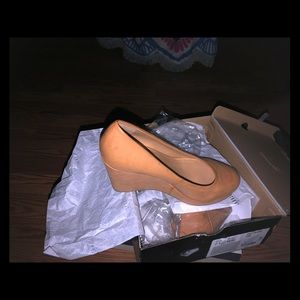 New ANA Kenny Wedges Sz 7.5 Tan